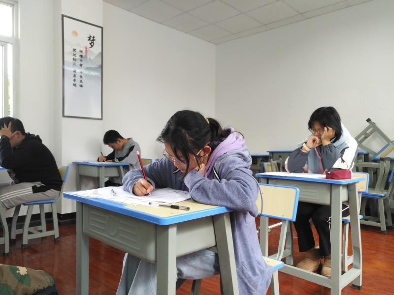 云南省昆明高考全托机构哪家管理好