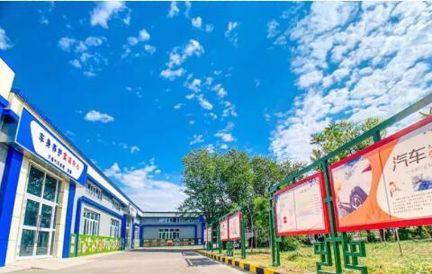 乌鲁木齐万通学校为社会培养了众多技能型复合人才